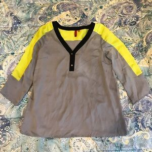 5/48 silk top size small never worn